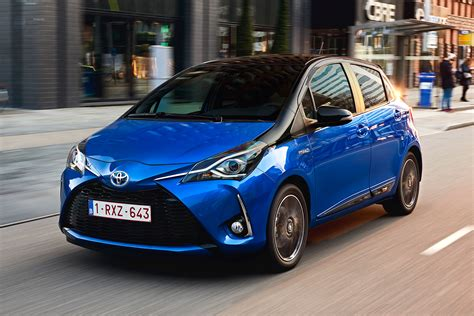 toyota hybrid toyota yaris hybrid 2017 review auto express