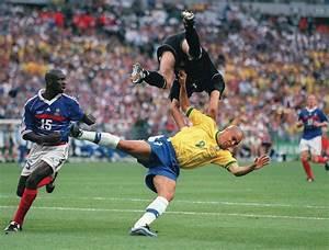 Petit But De Foot : historique france br sil en images football ~ Melissatoandfro.com Idées de Décoration