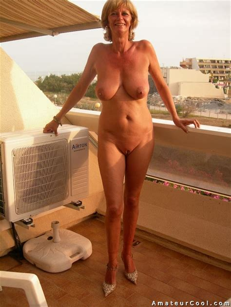 Shaved Busty Tanned Granny Naked In Public Amateur Cool