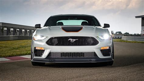 ford mustang mach    ford mustang gt spec comparo