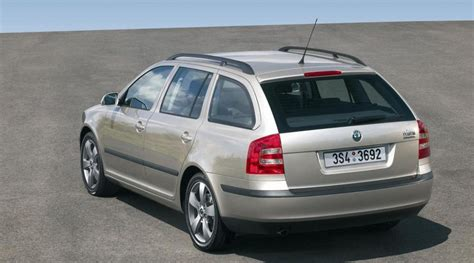 The škoda octavia retains its powerful yet elegant build with a strong design and enhanced features to create a car that truly means. Skoda Octavia Universāls 2005 - 2009 atsauksmes, tehniskie ...