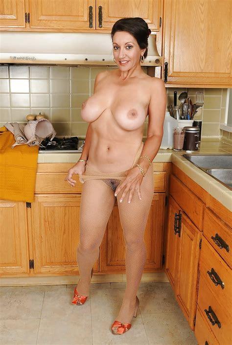 Persia Monir Kitchen Housewife 111 Pics