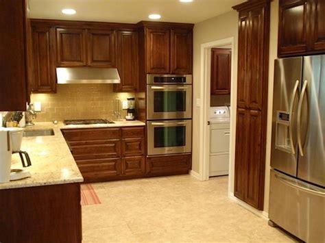 white kitchen backsplash 24 best kitchen tile images on craftsman homes 1033