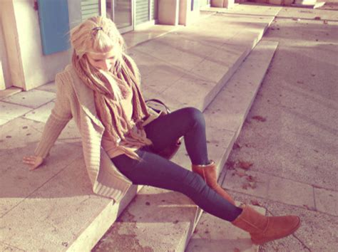 jeans cardigan scarf dark blue ugg boots camel beige