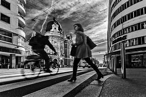 Black And White Pictures Of People Walking Down The Street ...