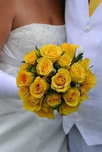 Yellow Rose Bridesmaid Bouquets   Bouquet Idea