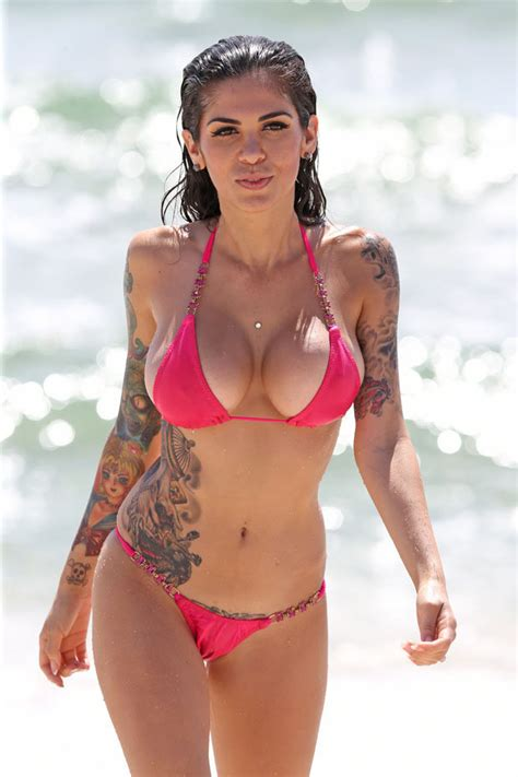 dennis lloyd bikini celebrity big brother star cami li to sex up cbb 2015