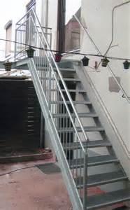 gewendelte treppe außentreppen produkte schlosserei aucoop