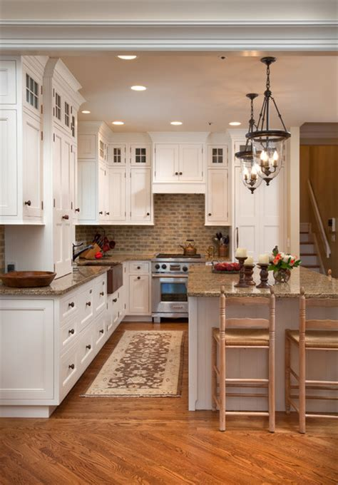 lights kitchen cabinets cozy kitchen 7081