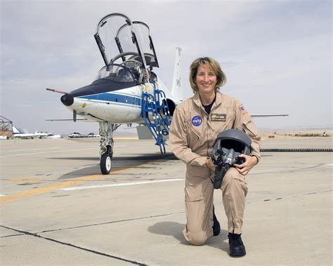 Former Pilots: Kelly J. Latimer | NASA