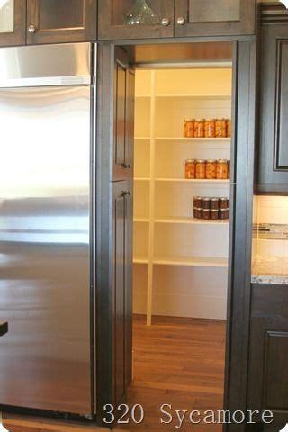 door   fridge looked  cabinets