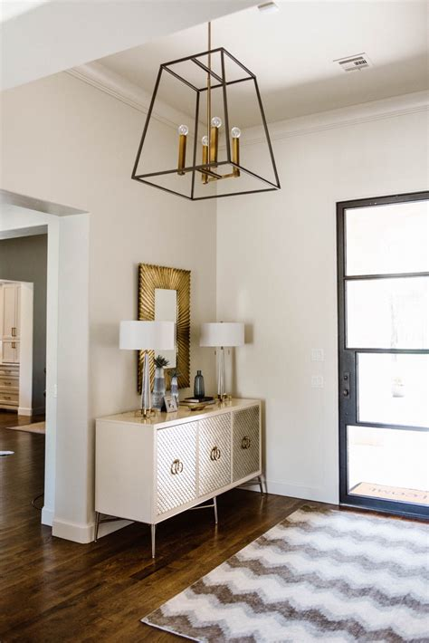 Stylish Entryway Decor Ideas | Curls and Cashmere