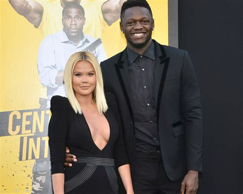 NBA Player Julius Randle Proposes to Kendra Shaw With Huge