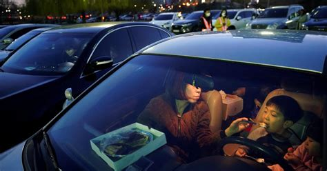 Drive-in movies are proving popular in a pandemic—like 70 ...