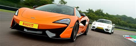 Driving Experience by Mclaren 570s Driving Experience Thruxton Circuit