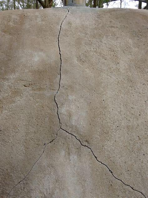 Risse In Der Wand Beseitigen by Risse In Der Wand Ausbessern Risse In Der Wand Mit Acryl