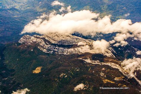 puncak jaya tembagapura aerial oystein lund andersen