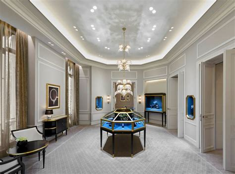 harry winston  opens  avenue montaigne salon  paris