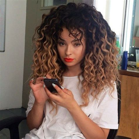 Best 25  Ombre curly hair ideas on Pinterest   Curly hair