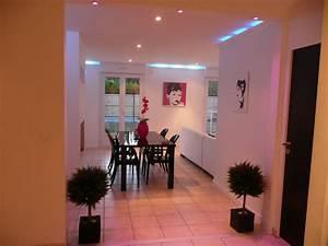 salon salle a manger eclairage de nuit maison a louer With eclairage salon salle a manger