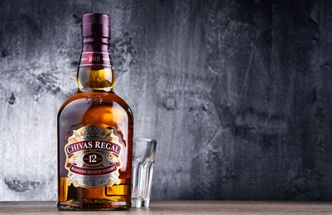 premium whisky gifts   loved   christmas