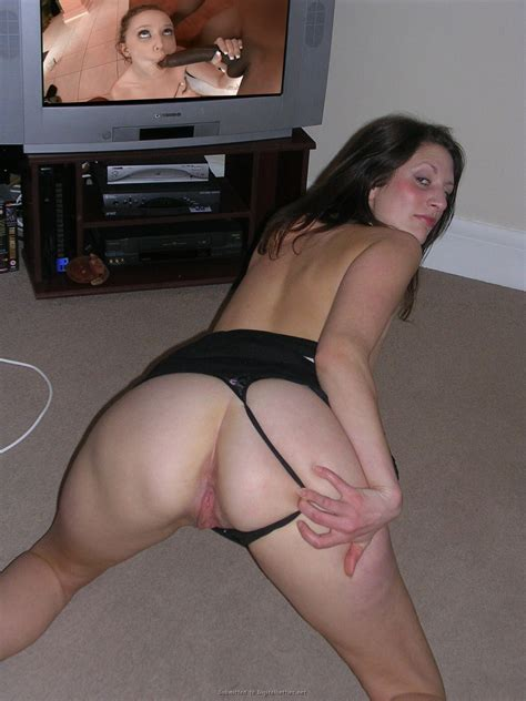 119152262  In Gallery Uk Mature Watching Porn B4 Going Out Or Just In Picture 3 Uploaded