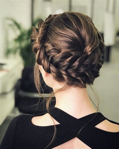 Updo Hairstyles For Wedding Guest by The 25 Best Wedding Guest Hairstyles Ideas On