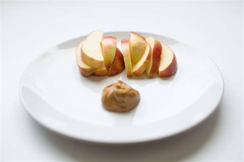 21 Balanced 100 Calorie Snacks Everyone Needs Snacks That