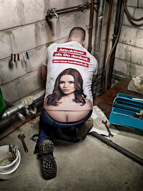 clever shirt turns plumbers buttcrack  lady cleavage