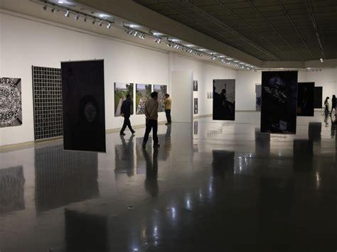 exhibition room  dina goldstein
