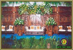 contoh dekorasi pelaminan  gebyok etnik