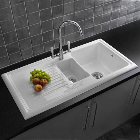 Big White Kitchen Sink by More About Your Kitchen Sinks