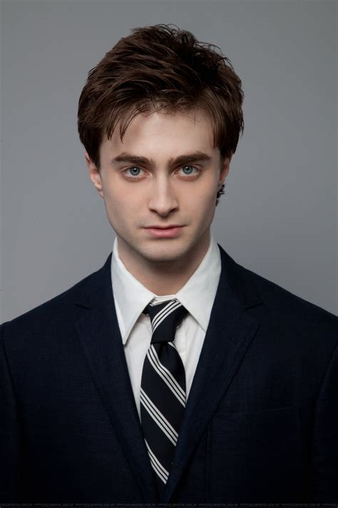 daniel radcliffe hairstyle makeup suits shoes and