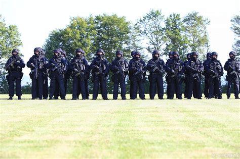 Garten Und Landschaftsbau Ingenieur Gehalt by Einsatz Bei Terror Und Randale Bundespolizei Einheit Bfe