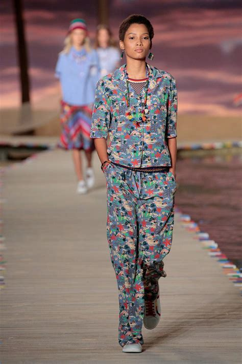 TOMMY HILFIGER SPRING SUMMER 2016 WOMEN'S COLLECTION | The ...