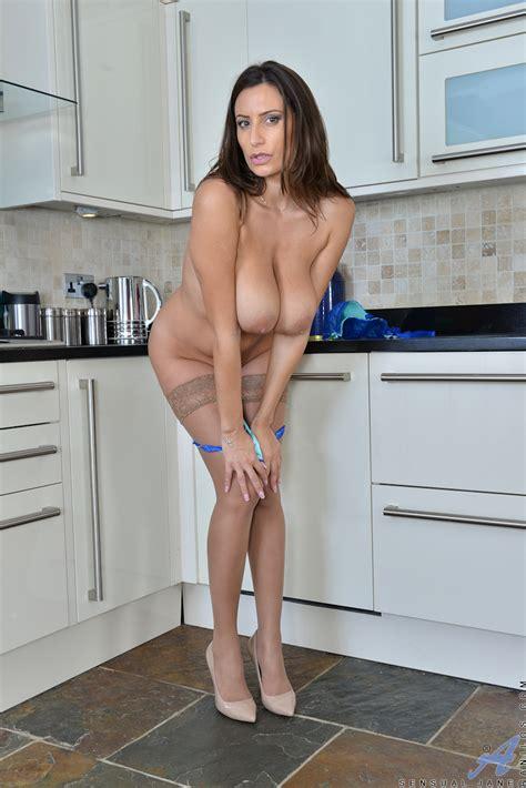 sensual jane in lingerie lingerie milfs