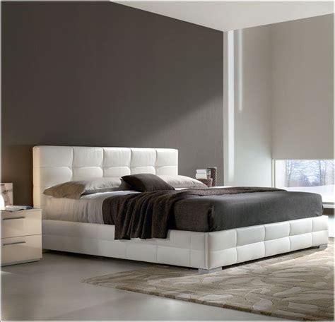 idée déco chambre a coucher lits rembourrés pour un look