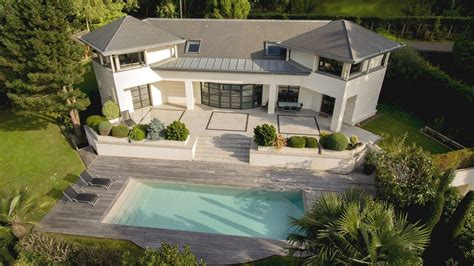 Villa B14 In Garabr by Architectural Villa With Pool For Sale In Bougival In
