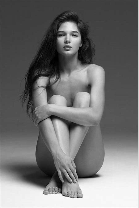 Barefoot Girl : Photo
