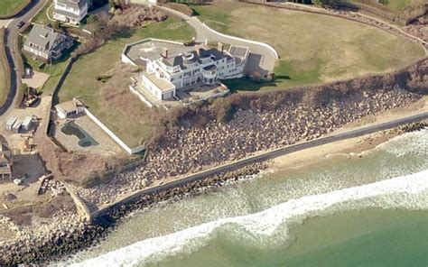Taylor Swift Pays m Cash For Rhode Island Home