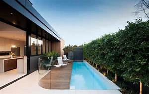 Gartenhaus Schmal Und Lang : moderner pool im garten schmal aber lang home pinterest schwimmb der terrasse und garten ~ Eleganceandgraceweddings.com Haus und Dekorationen