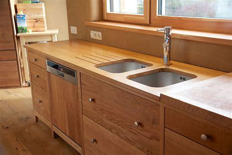 meuble cuisine en bois massif porte de cuisine en bois vitrine et portes vitres