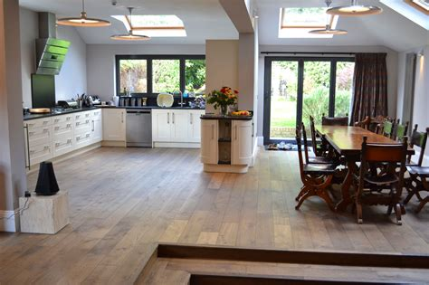 wooden floor for kitchen 3 oak kitchen wood flooring 1619