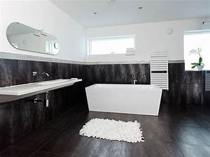 Black and white modern bathroom nyfarms apinfectologia for Black and white modern bathroom