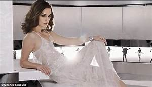 Keira Knightley Chanel : keira knightley is breathtaking in new chanel coco mademoiselle advert daily mail online ~ Medecine-chirurgie-esthetiques.com Avis de Voitures