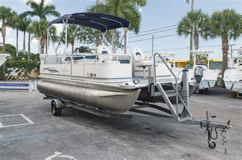 Used Pontoon Boats Value by Used 2005 Sun Chaser 820 Fish Re Pontoon Boat For Sale In