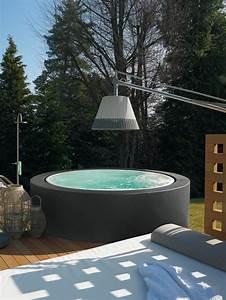 Whirlpool im garten 100 fantastische modelle archzinenet for Whirlpool garten mit tauben abwehren balkon