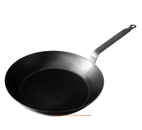 poele cuisine la poêle en fer de buyer pour saisir les viandes