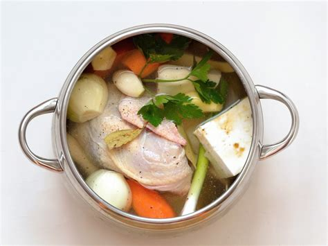 cuisine poule au pot recette poule au pot farcie 28 images poule au pot