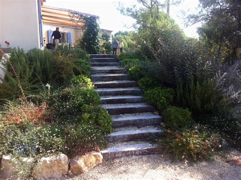 escalier dans un talus obasinc